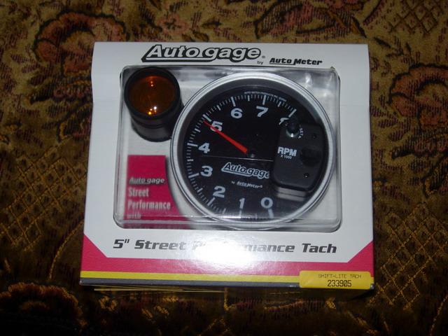 тахометр Autometer 233905